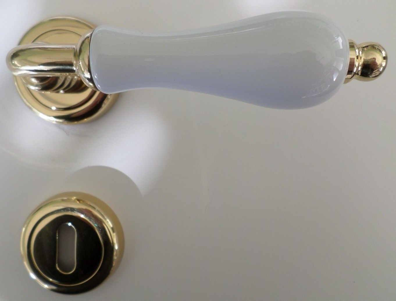 Maniglie Per Porte Interne In Porcellana.Maniglie Per Porte Interne Porcellana Bianca Ottone Lucido